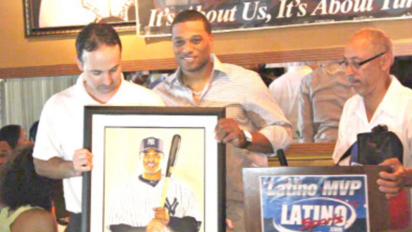 Robinson Cano Receiving Award from Latino Sports
